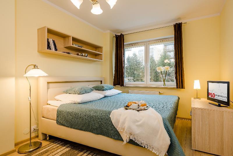One Bed. Apartment URSYNÓW, location de vacances à Jozefow
