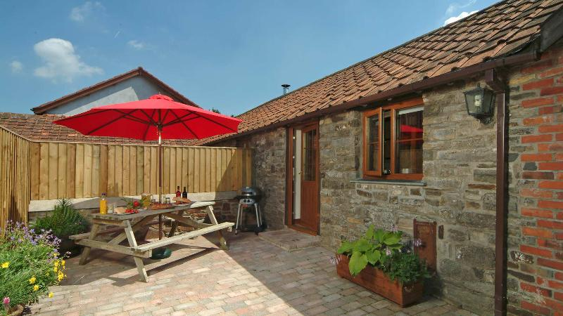 Courtyard Cottage, Combrew Farm - in beautiful North Devon, vacation rental in Barnstaple