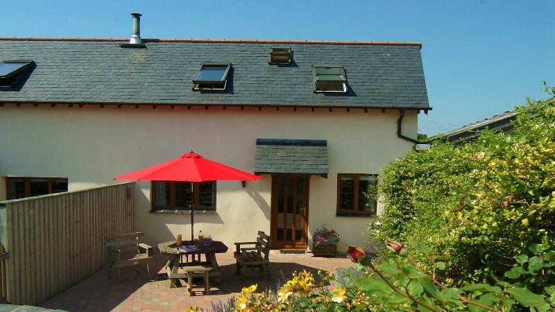 Tuckers Retreat, Combrew Farm in beautiful North Devon, vacation rental in Barnstaple