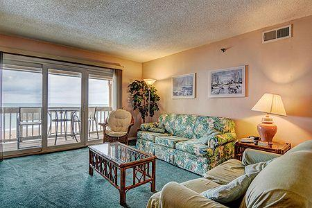 3414 Topsail Dunes - 2BR Oceanfront Condo in North Topsail Beach with Private Ba, vacation rental in North Topsail Beach