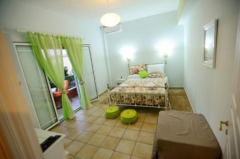 Green nature apartment - double bedroom