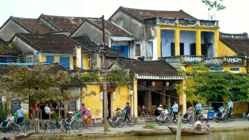 30-min drive to Hoi An ancient town