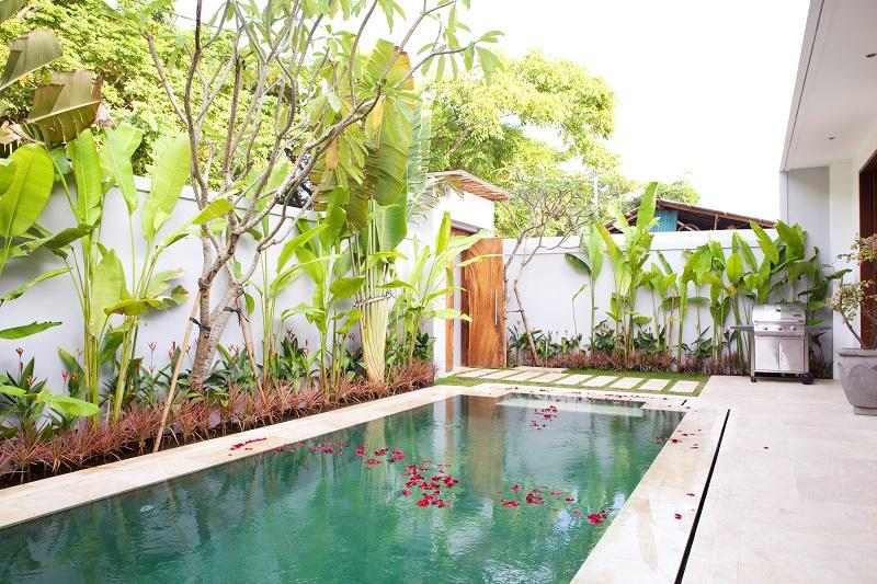 Luxury Villa in Sira Beach, holiday rental in Tanjung