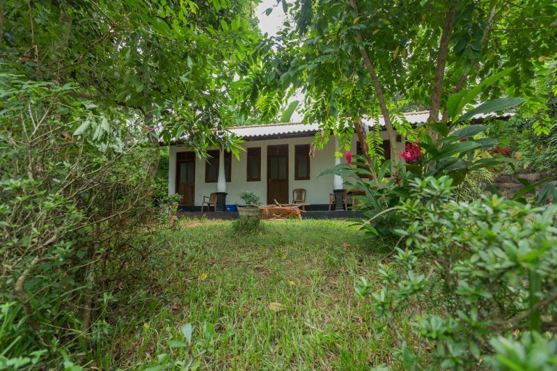 Dilan's Home, vacation rental in Rekawa