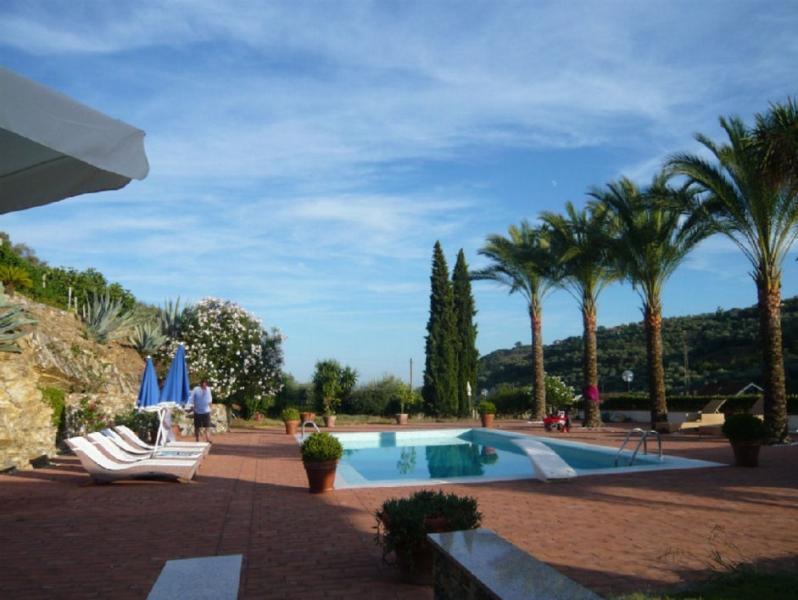 Ruhig gelegene Villa mit exclusivem Ambiente, casa vacanza a Diano Castello