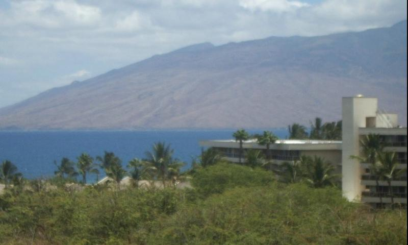 View of the ocean and the West Maui Mountains from the lanai