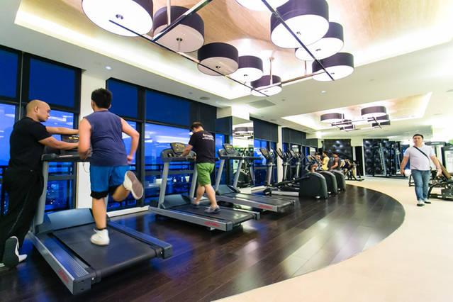 Gym with Fitness Instructor in 37th floor