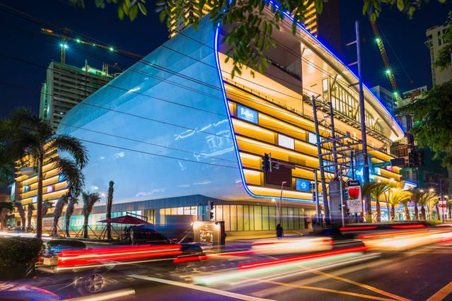 Direct access to Century City Mall. Dining, Starbucks, Foodcourt, Cinemas, Boutiques, Supermarket