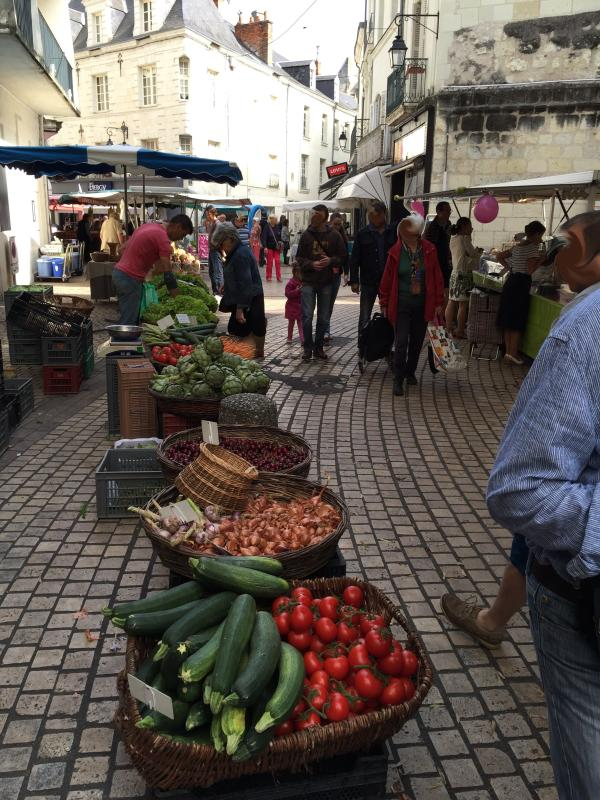 The busy Saturday morning market in Saumur