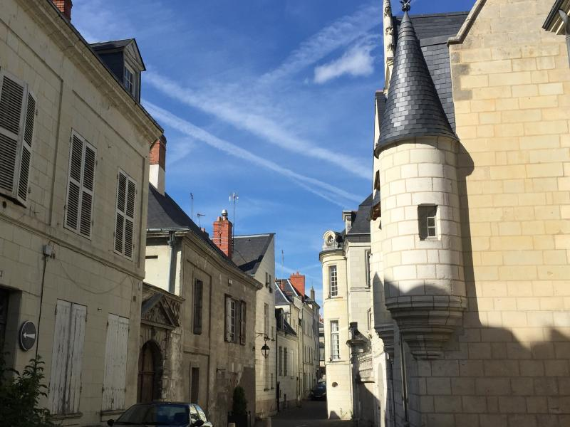 The apartment is situated at the end of Rue du Temple, (last building on the left).