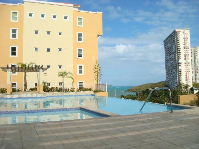 Peña Mar Ocean Club- Fully A/C Ocean View Apartment! Wi-Fi/ High Speed Internet, holiday rental in Luis M. Cintron