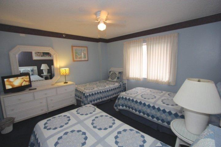 3 camere da letto con tre gemelli.