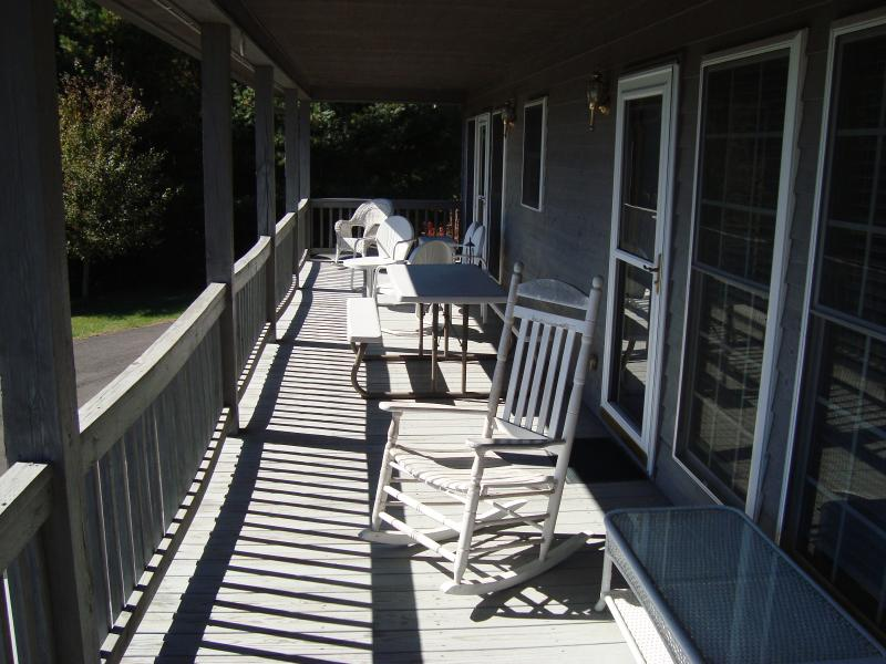 front porch overlooking parkway