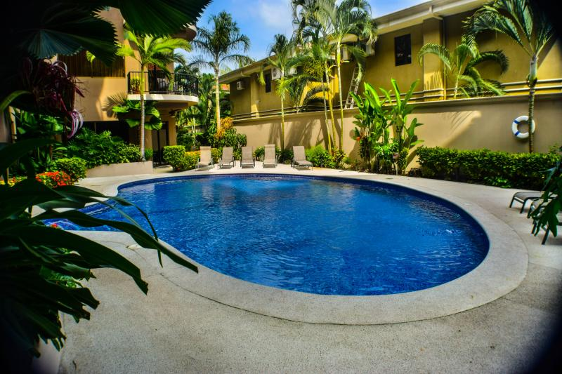 Luxury 3 bedrooms Condo - Walk everywhere, vacation rental in Jaco
