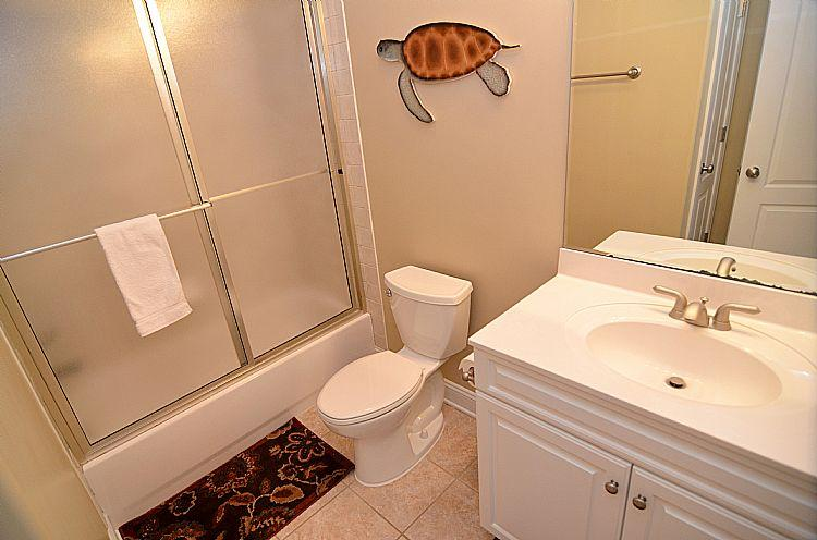 Shared First Floor Bathroom