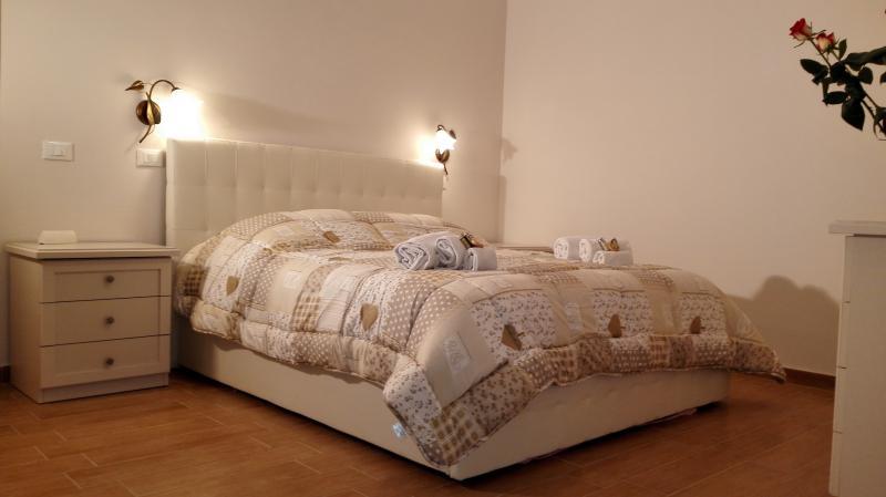 camera 20 metri quadri con aria condizionata ,porta finestra con balcone,comfort ecc.ecc