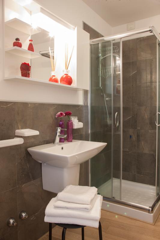 Eigen badkamer met douche