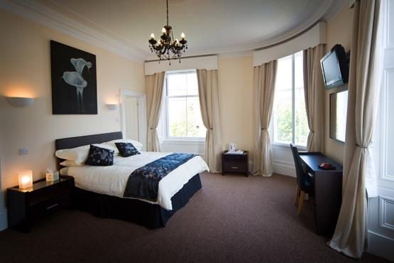 Teviotside Guest House - Family Room, holiday rental in Denholm