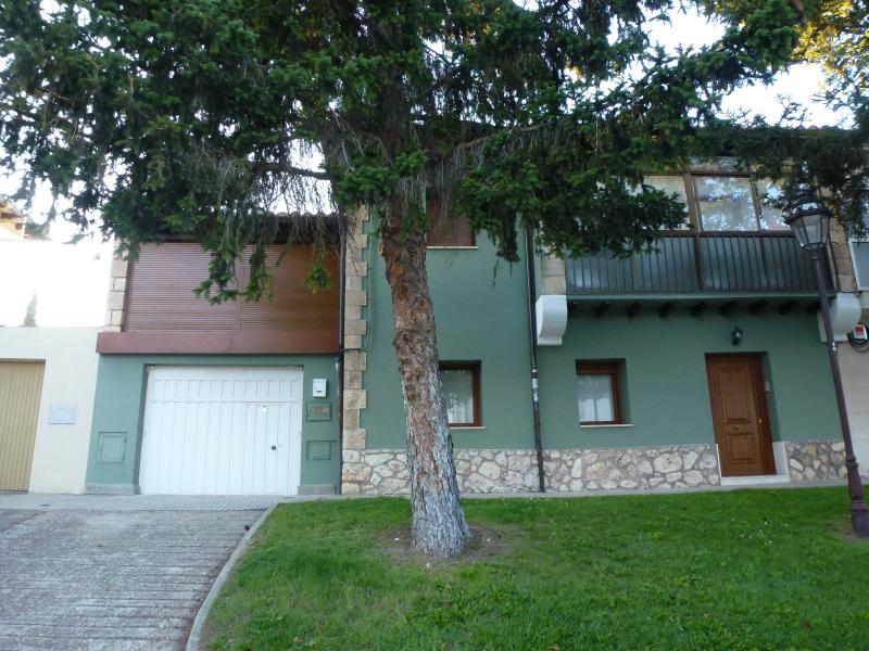 Casa de 5 habitaciones dobles en Burgos ciudad – semesterbostad i Buniel