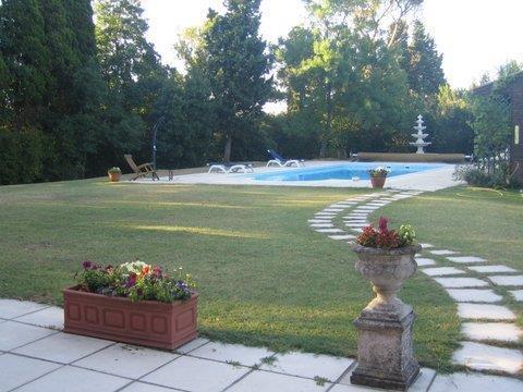 Garden & private pool