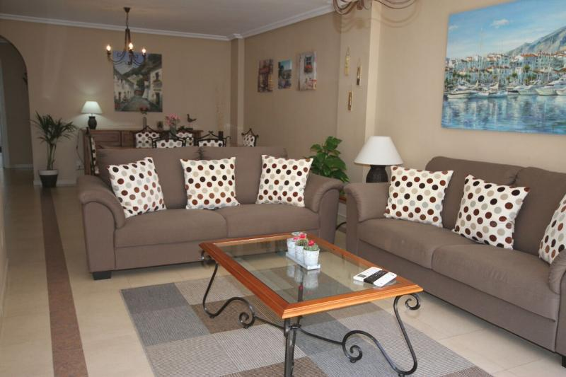 Spacious lounge with seating for six people, A/C, 42 inch LED Smart TV, UK channels, Sport channel.
