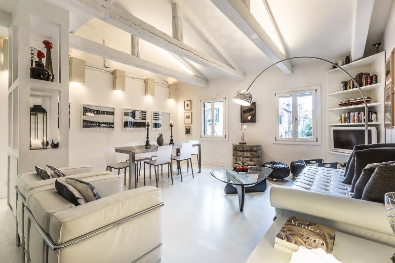 Leonessa - perfect combination of style, technology and comfort, aluguéis de temporada em Cidade de Veneza