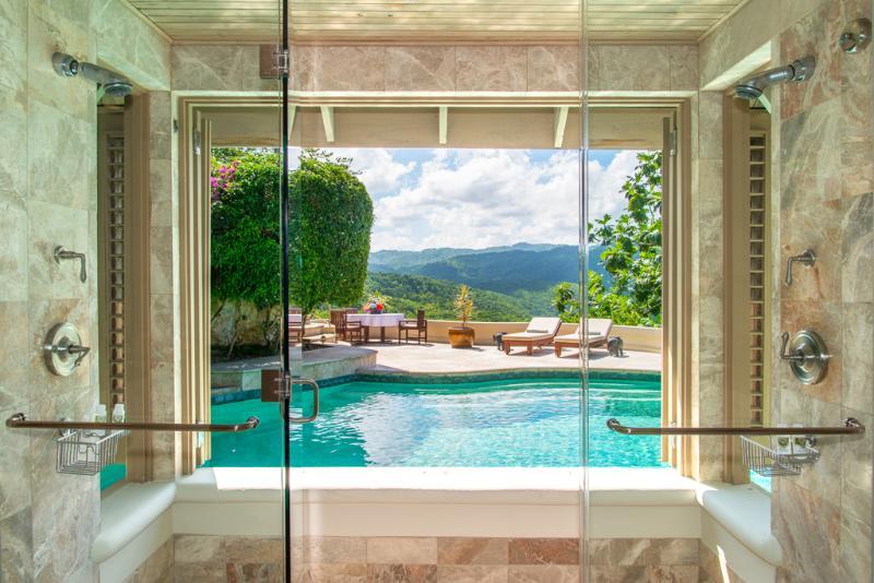 Silent Waters Villa doccia, piscina e solarium