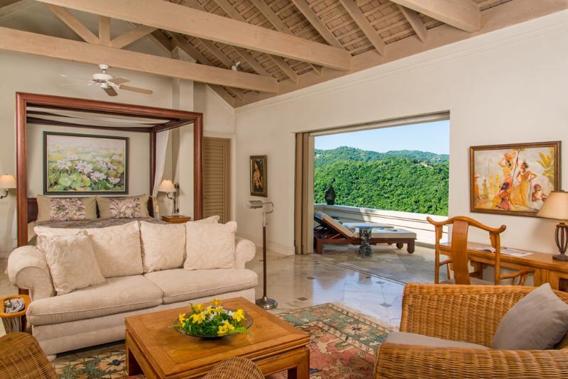 Silent Waters Villa ospite suite 3 zona di soggiorno e letto