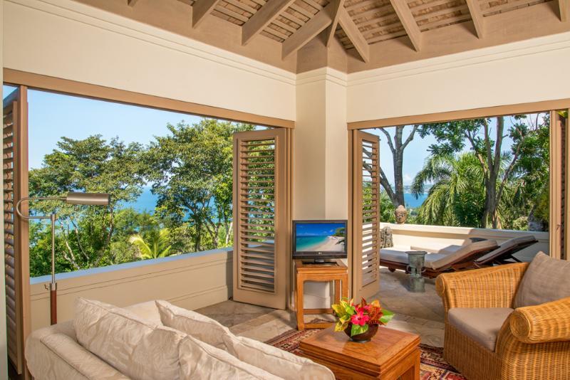 Silent Waters Villa ospite suite 5 soggiorno e terrazza prendisole
