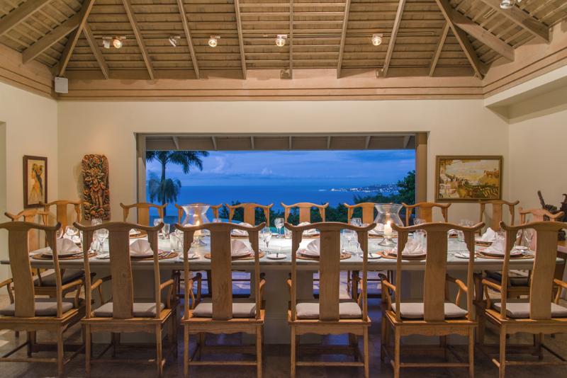 Silent Waters Villa sala con vista di Montego Bay al crepuscolo