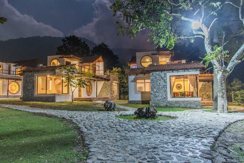 Villa JUCANYA 1, Lago de Atitlán, vacation rental in Lake Atitlan