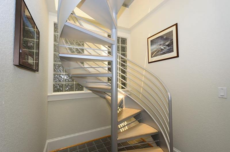 Spiral Staircase to Roof