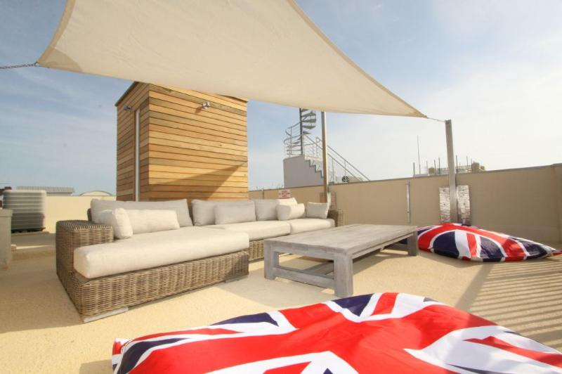 Roof Top Sofa for Lounging