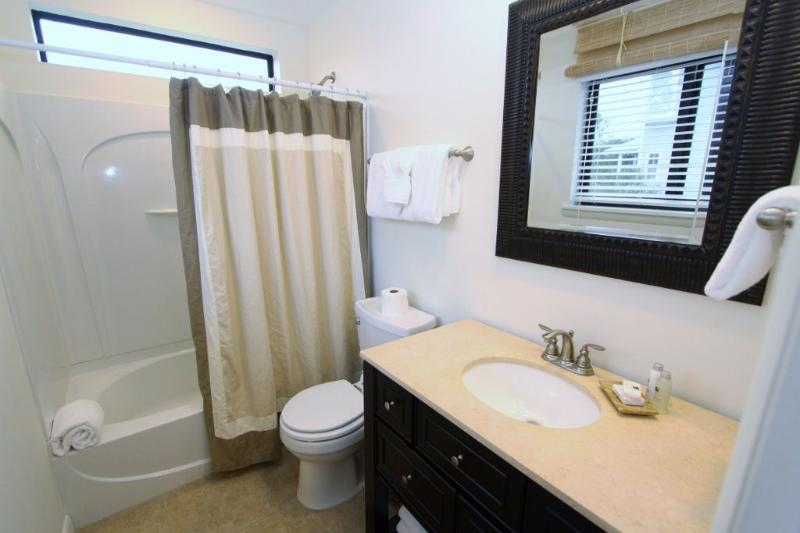 Private King Bathroom with Tub/Shower