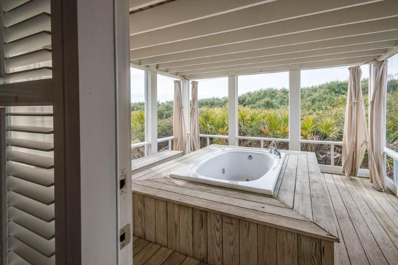 Outdoor Hot Tub With Privacy Curtains