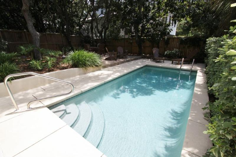 Private Heated Pool - Fees Apply for Heating