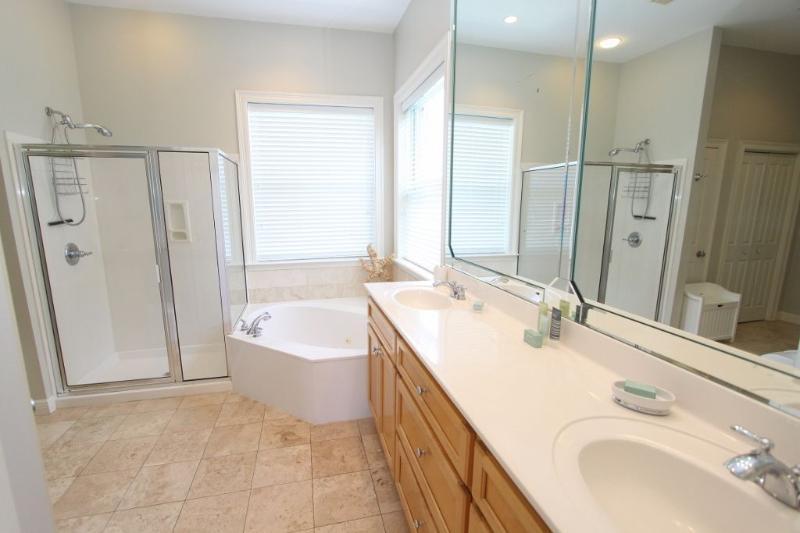Master Bath - Double Vanity Sinks