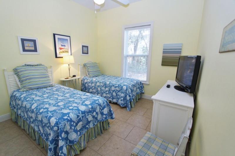 Twin Bedroom on Ground Floor