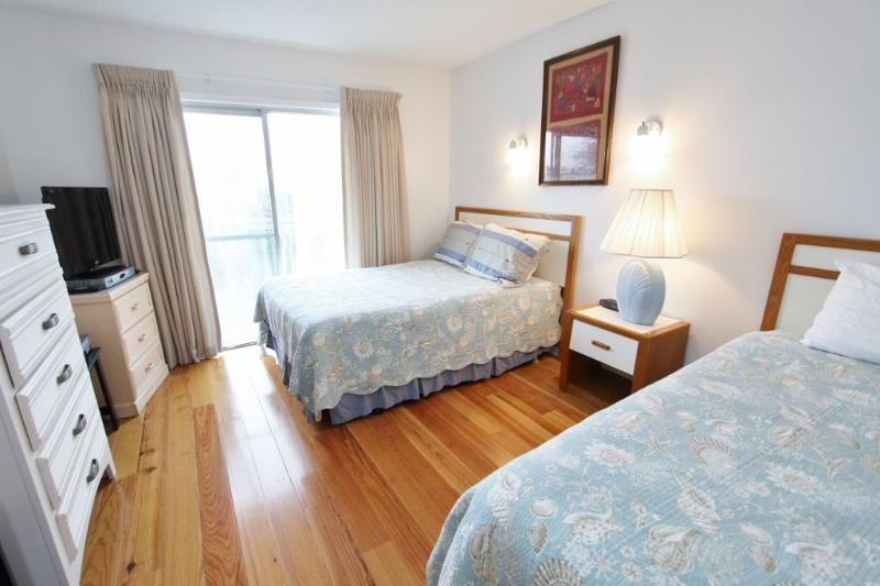 Bedroom with Twin and Double and LCD TV