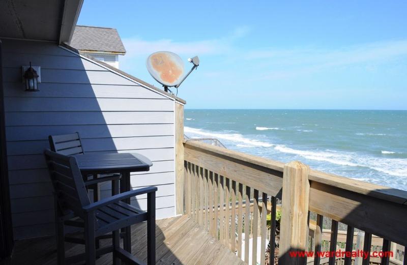2nd Floor Oceanfront Sun Deck