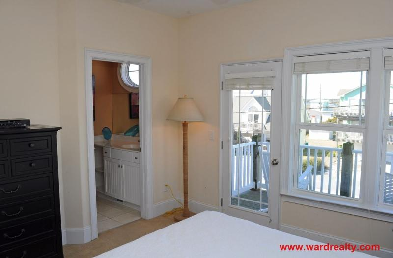 1st Floor Streetside Queen Bedroom II