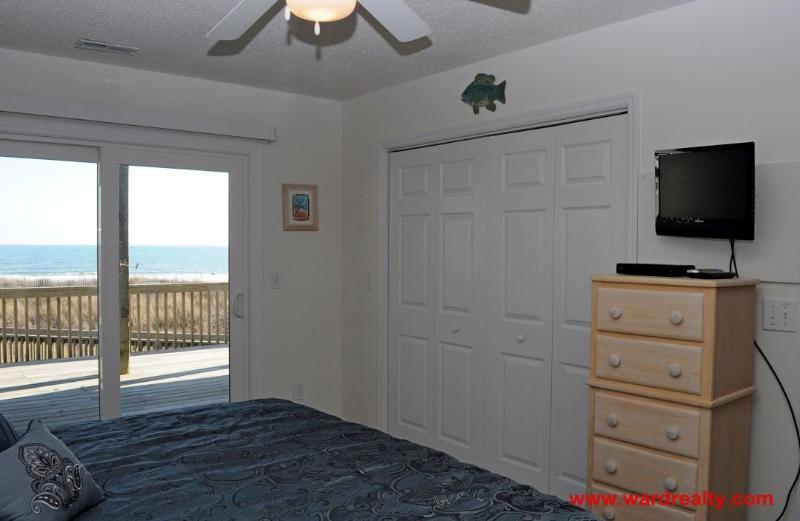 1st Floor Oceanfront North King Bedroom II