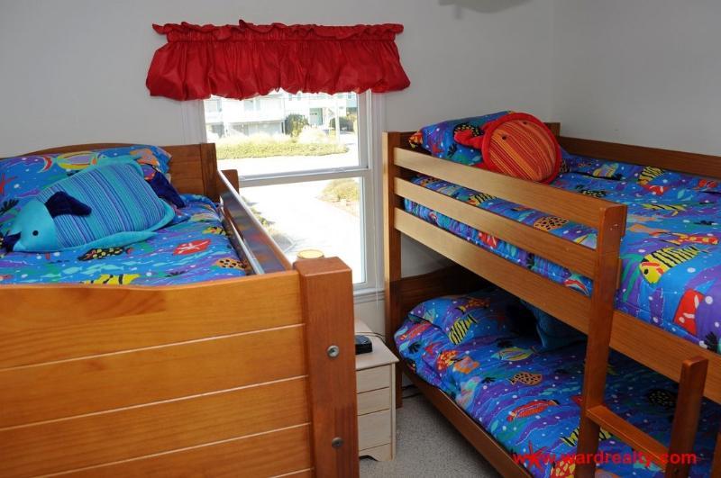 1st Floor Streetside Bedroom with Bunk Bed