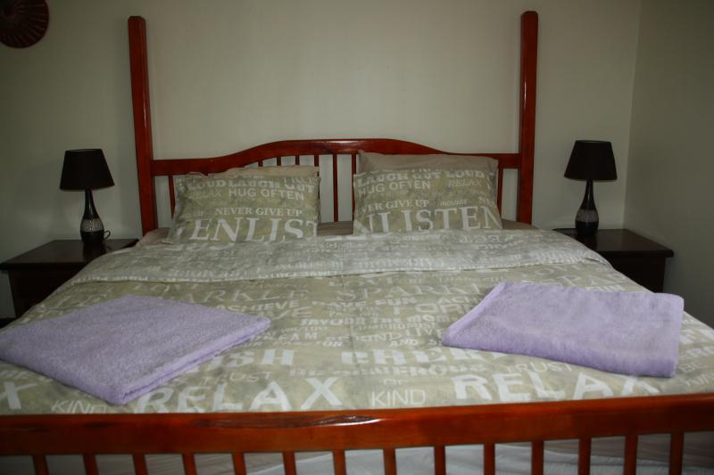 room 4 with king size bed