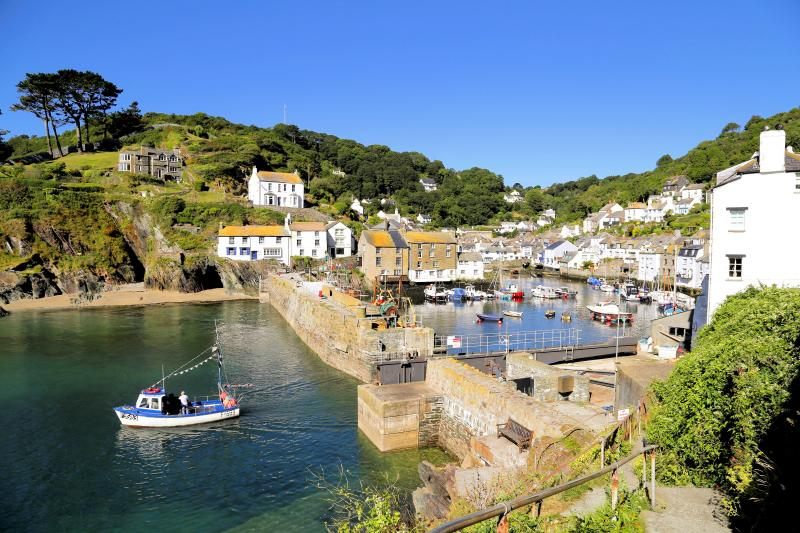 Sunny Corner is located in the picturesque Polperro & just 8-10 mins walk from the harbour