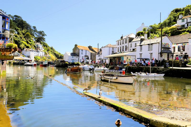 Fishermas Cottage is located in the picturesque Polperro, Just 200 meters from the harbour