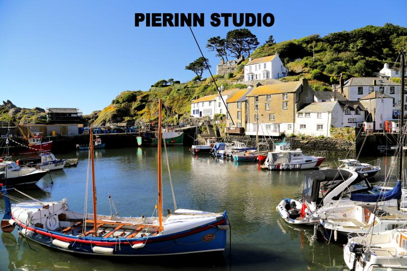 Pierinn Studio is located overlooking the historic, picturesque harbour of Polperro