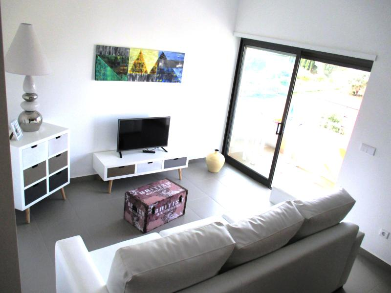 New apartment T1/Pool /Tennis /Squash/Beach, vacation rental in Praia da Rocha