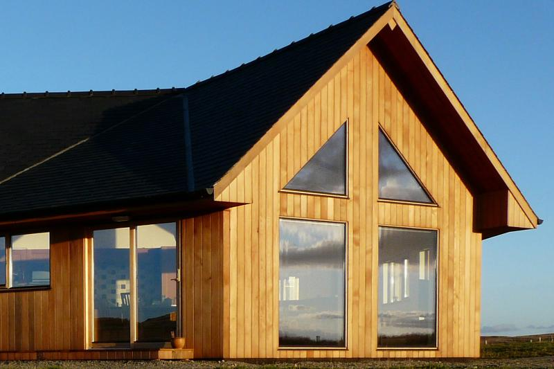 Whitefalls Lodge ~ Luxury 5* Spa-Lodge for 2 incl Sauna/Spa Bath/Fitness Suite, alquiler vacacional en Carloway