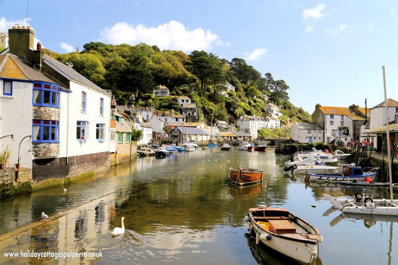 Rose Cottage is located in the picturesque Polperro & just 10 mins walk from the harbour